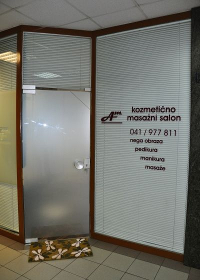 Kozmetično masažni salon Am - vhod