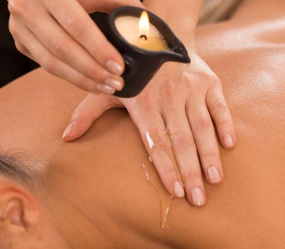 Masaža z oljem masažne svečke